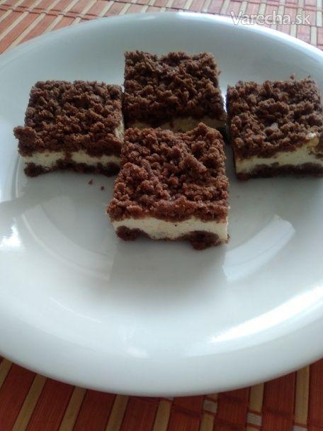 Strúhaný tvarohový koláč z celozrnnej múky a trstinového cukru (fotorecept)
