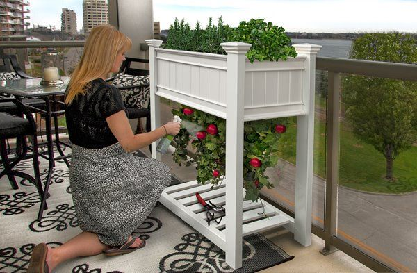 New England Arbors Urbanscape 53 In X 36 In X 24 In White Planter Rona Tomato Planter Small Space Gardening Growing Tomatoes Indoors