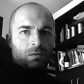 Dai un'occhiata al mio profilo su @Behance: https://www.behance.net/Massimiliano_Reggi