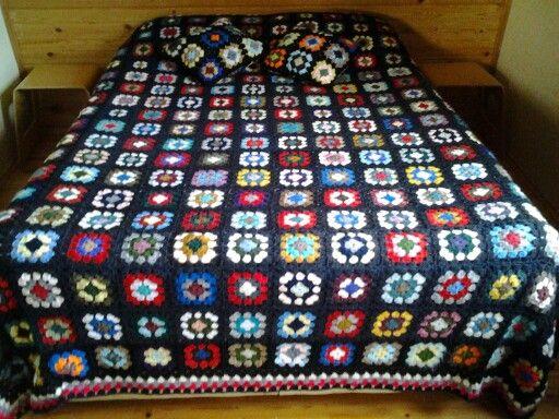Koskocaman yatak örtüsü.Dilek Kaya