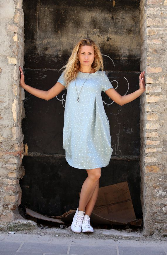 Benvenuto a Peushop. Il più colorato negozio su Etsy!  Unico e confortevole biancheria vestito grigio. Ha due tasche sui fianchi. Soluzione ideale per il vostro vestito tutti i giorni o vacanze estive :)  In puro lino, questo abito è perfetto per il caldo estivo.  100% lino. Made in EU.  Dimensione frontale Length(in/cm) indietro Length(in/cm) petto Width(in/cm) manica width(in/cm) XS 37/94 35,5/90 18/45 16/6 S 37/95 36/92 18/46 16/6...
