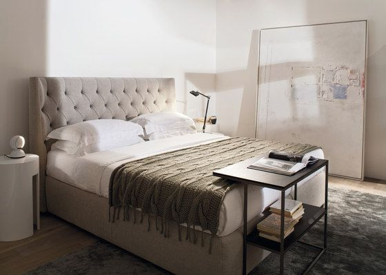 Turman Low Bed by Meridiani | Architonic