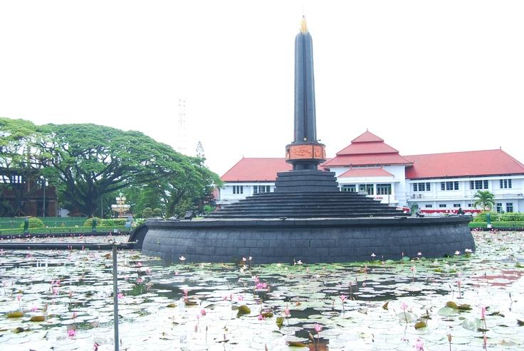 Tugu Balai Kota Malang , Indonesia