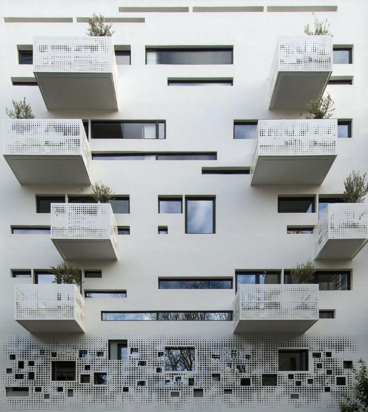 Urban Stripes Apartement in Athens