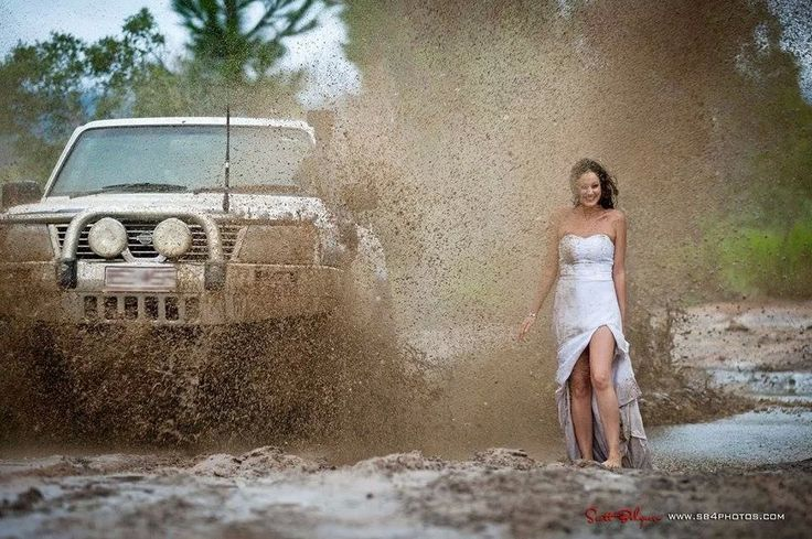 bride wedding dress mud picture