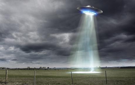 Google Image Result for http://i.telegraph.co.uk/multimedia/archive/01725/ufo_1725769c.jpg