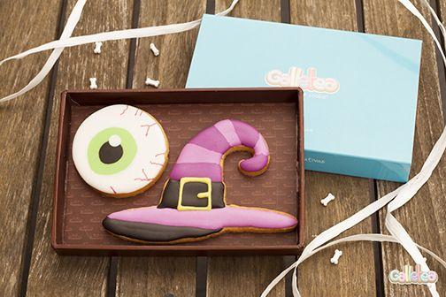 Gorro de bruja y ojo con la mirada más terrorífica de toda la fiesta. Diseño de Galletea. http://www.galletea.com/galletas-decoradas/