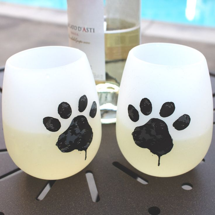 How cute are these?  Silicone paw print glasses - easy to take with you and non-breakable.  Plus, your purchase will feed 10 shelter cats.  That's pawsitively awesome!