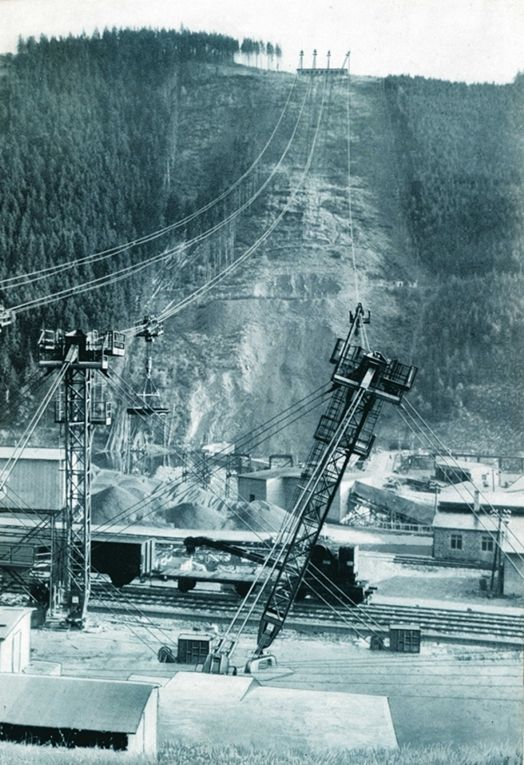 The company Adolf Bleichert & Co.wire founded and the first cable cars built.