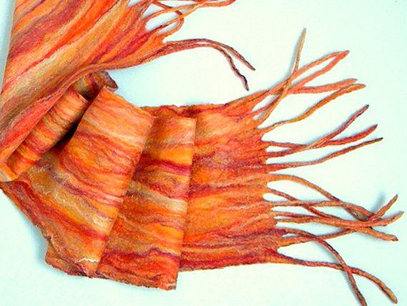 Bufanda de Felted de bufanda fieltro húmedo naranja por Allatai