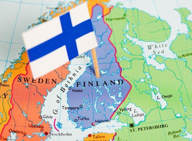 Στις 6 Δεκεμβρίου 1917, η Βουλή του Μεγάλου Δουκάτου της Φινλανδίας, όπως ονομαζόταν τότε η αυτόνομη περιοχή της Ρωσίας, εξέδωσε τη Διακήρυξη της Ανεξαρτησίας.