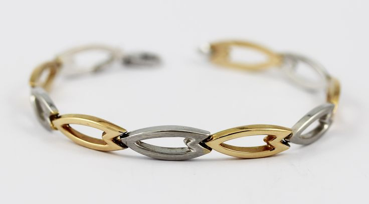 One 18k yellow and white gold bracelet.