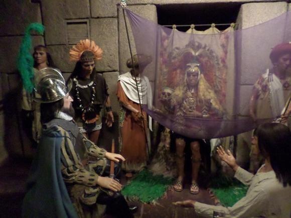 Representación de la primera entrevista entre Atahualpa y Francisco Pizarro que se puede ver en el Museo de Cera de Madrid. Foto: Cortesía de Francisco Argoti.