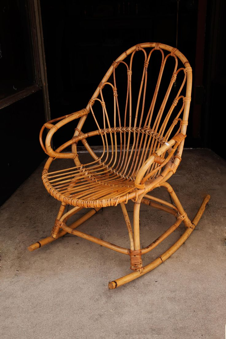 17 best images about rocking chairs on pinterest ron. Black Bedroom Furniture Sets. Home Design Ideas