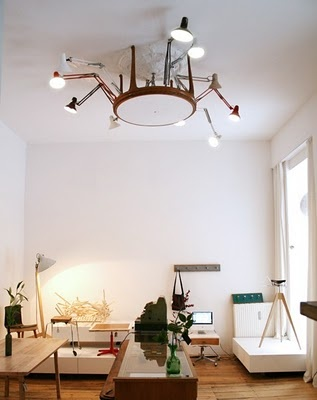 coffee table/old lamps chandelier