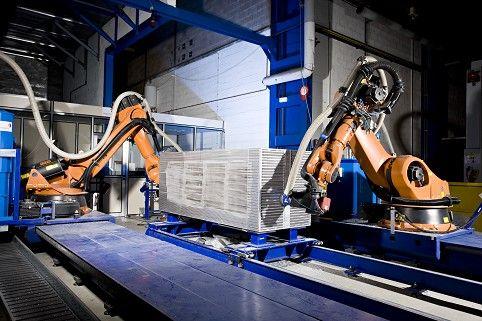 FIVES CINETIC ROBOT D'USINAGE