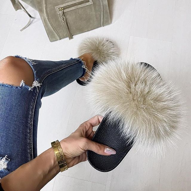 Kinda awesome way to step into the weekend!  Caramel fluffy mules!   @_dolita_  hauteacorn.com  .  .  #furslides #fluffyslides #furshoes #fursandals #furflipflops #slides #furslippers #slippers #sandals #shoes #indoor #outdoor #realfur #caramel #weekend