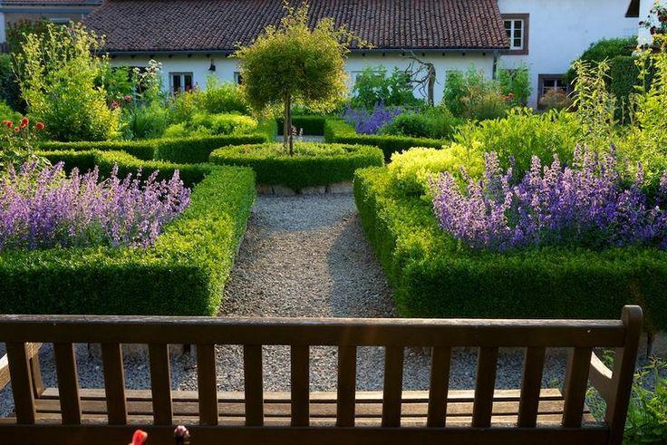 """Garten am """"Haus Saargau"""" - Gisingen (D) / Gärten in Deutschland / Unsere Gärten / Gärten ohne Grenzen / Startseite - Gärten ohne Grenzen"""