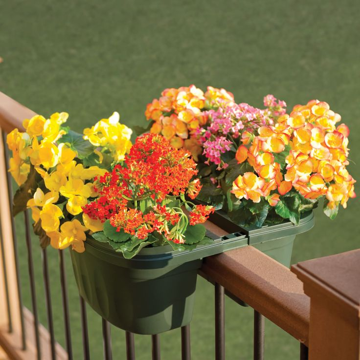 The Adjustable Balcony Rail Planter - Hammacher Schlemmer: Gardens Ideas, Atop Balconies, Balconies Planters, Balconies Railings, Adjustable Balconies, Cool Ideas, Hammacher Schlemmer, Great Ideas, Railings Planters