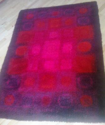 red, pink & purple rya