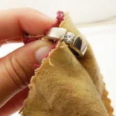 Trucos caseros para limpiar oro, plata, vidrio o madera