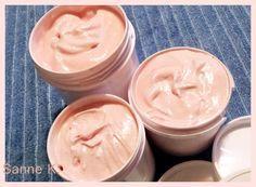 Bodymousse/Körpersahne ideal zur Pflege rauher, beanspruchter Haut, z.B. an Ellenbogen, Füßen und Händen 100 gr. Sheabut...
