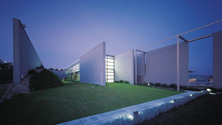 Capannone prefabbricato Prada, Design architettura industriale