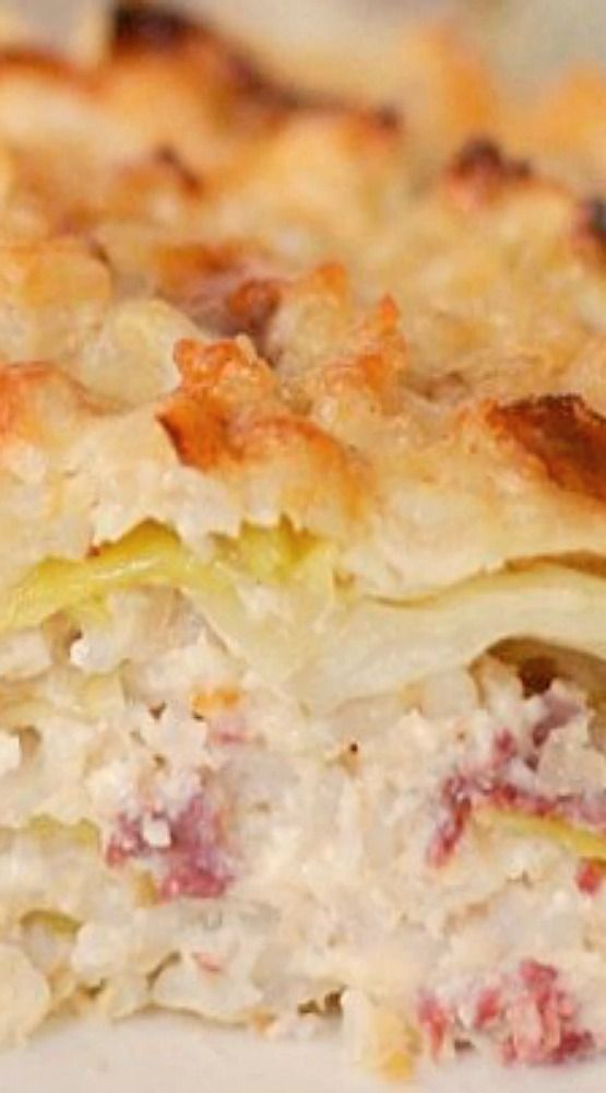 Easy Corned Beef and Cabbage Casserole ~ A bonus with this casserole is that it is freezer friendly. So, you can make it now and freeze for later.