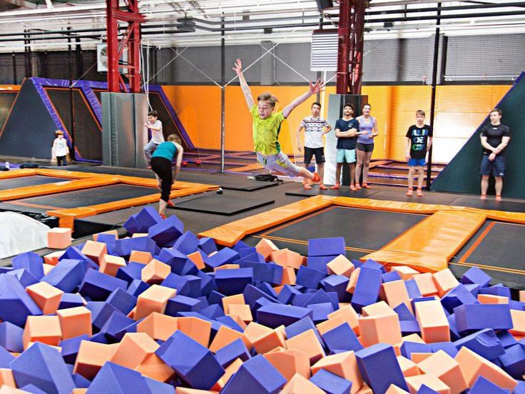 Von #Museum, über #Wellness, bis hin zu Aktivem wie #Klettern oder #Trampolin springen. Schaut doch mal rein und lasst euch für die schönsten Indoor-Aktivitäten in Berlin und Brandenburg begeistern…