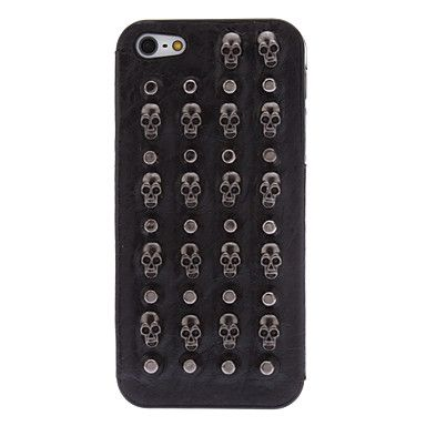Bullet studs and skull studs iPhone case.: Iphone Cases, Covers Custody Iphone, Iphone 55S, Skull Studs, Remote Control, Covercustodi Iphone, Covers Iphone,  Remote, Iphone 5 5S