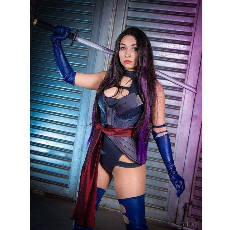 Psylocke ƸӜƷ é uma mutante super poderosa  e que pode vencer batalhas com a força do pensamento  Mas ela prefere chutar a bunda dos inimigos pra se exercitar    Cosplay por @cynthiacosplay   Foto por @shockfotografias     #psylocke #psylockecosplay #cynthiacosplay #shockfotografias #cosplay #cosplaygirl #psylockexmen #xmen #xmenapocalypse #oliviamunn #gatasdoinstagram #gata #linda #poderosa #marvel #xmencosplay #girlpower #ninja #maravilhosa #brasil #rainha #plena #perfeita #musa #diva…