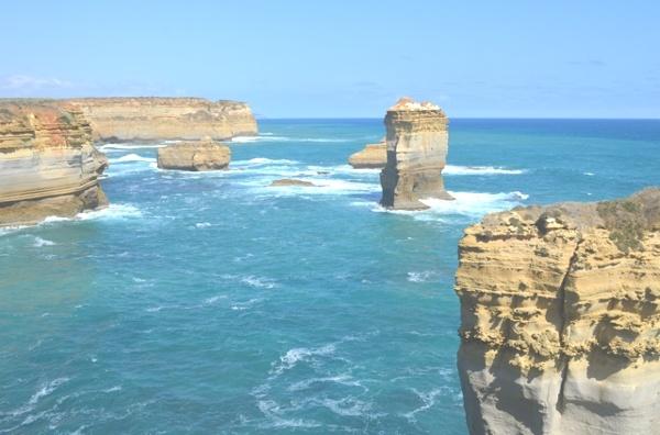 Travel Australia- The Great Ocean Road - TrendSurvivor