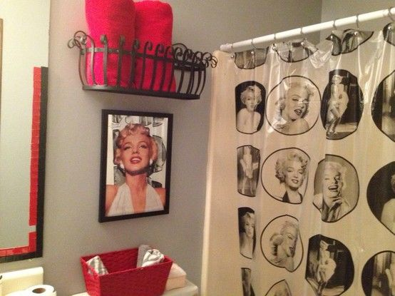 Marilyn Monroe Bathroom... definitely matches the rest of my decor!