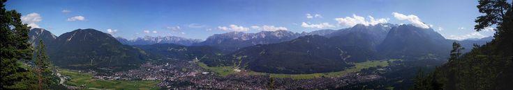 Alpen-Panoramen - Panorama: Wetterstein mit Garmisch