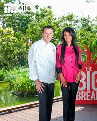 Farah Quinn @farahquinnofficial was being judge of The Big Break - Asian Food Channel Singapore 2012 | source : www.asianfoodchannel.com  #FarahQuinn #FarahQuinnOfficial #celebrity #chef #TV #Show #TheBigBreak #AsianFoodChannel #AFC #singapore #judge #2012 #throwback #personality #public #figure #artist #shooting #love #Quinners #followme @quinnersofficial http://tipsrazzi.com/ipost/1513602778608896723/?code=BUBZbUuBwrT