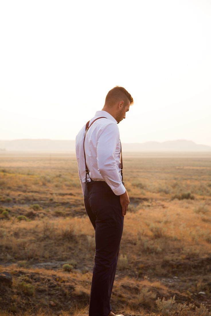 Boho groom style - Groom style - Groom outfit - Boho wedding inspiration - photography by Jackie Hall Photography Regina, SK