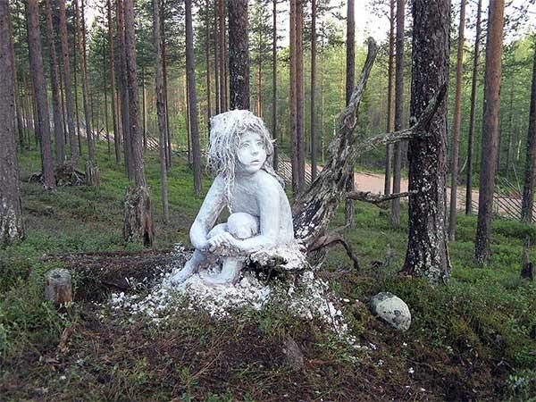Essi Korva: Valkoinen peura