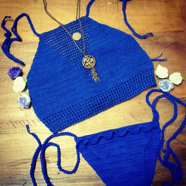 Instagram media by atelierdafilo - #atelierdafilo #top #biquini #frenteunica #crochê #crochet #cropped #azul #verão #verão2015 #ferias #carnaval #boho #hippie