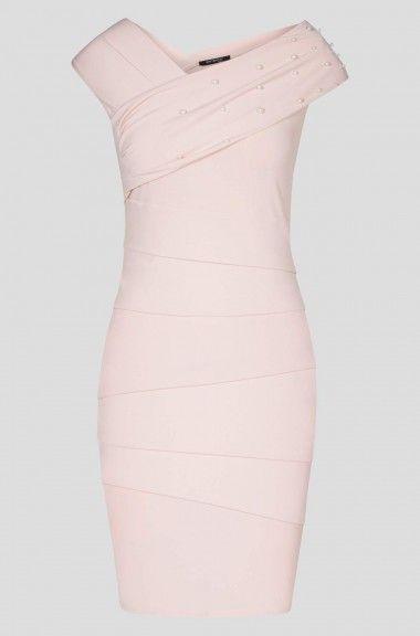 Paneles varrású ruha  b4fb0039fe