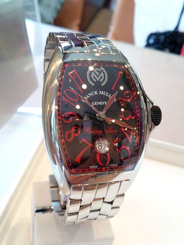 ★I様ご夫妻/フランク ミュラー - トノウ カーベックス ライジングサン ☆結婚10周年記念でフランク ミュラーのライジングサン、結婚15周年にはロングアイランドを、それぞれの節目に購入しました。結婚20周年をむかえた時には、ペアの時計を探してみたいですね!  〝人生の節目に腕時計を〟