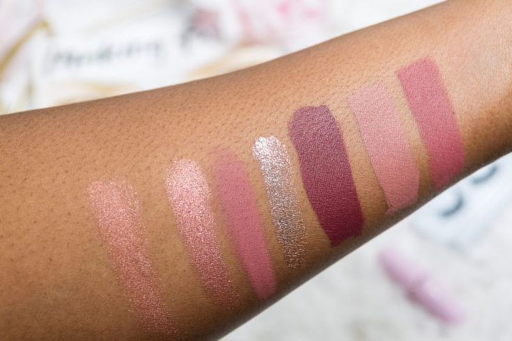 Date night makeup routine, Valentine's Day makeup, date night makeup tutorial, date night makeup romantic, date night makeup inspo, fenty beauty highlighter,stila glitter eyeshadow, fenty beauty killawatt highlighter, coloured raine queen of hearts, coloured raine eyeshadow, mac soar lipliner,coloured raine palette,dose of colors liquid lipstick,dose of colors swatches,dose of colors truffle,dose of colors mood,anastasia beverly hills, lipstick,makeup flatlay,makeup flatlay ideas…