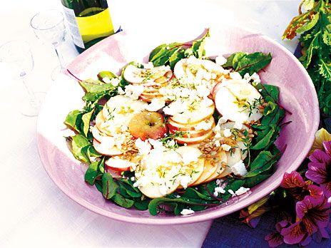 Äppelsallad med honung och chèvre | Recept från Köket.se