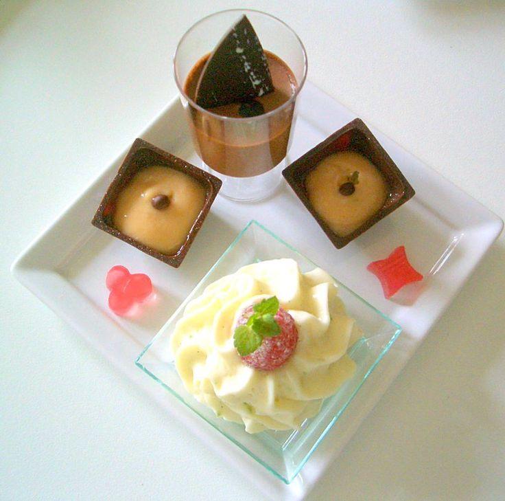 Après un repas frugal et en attendant le dessert ou le café, il est agréable d'avoir quelques petites douceurs à grignoter. Incorrigible avec le sucré, je vais peut-être essayer de me soigner…