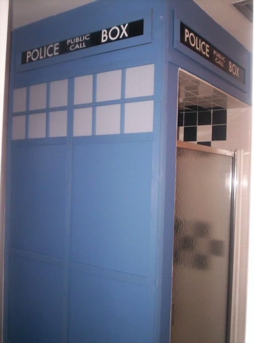 A Tardis shower room - Doctor Who