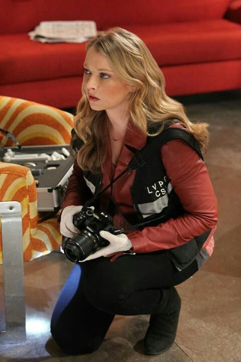 CSI: Las Vegas - Morgan Brody is a former member of Los Angeles Police Department Scientific Investigation Division, and joins the Las Vegas PD CSI unit in season twelve. She is the daughter of the Under-Sheriff Conrad Ecklie. - Elisabeth Rose Harnois (born May 26, 1979) is an American actress.   #CSI  #kurttasche
