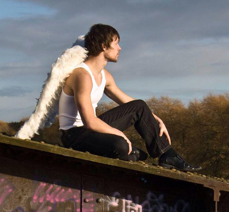 картинки и фото с ангелами мужчины часто дома готовлю