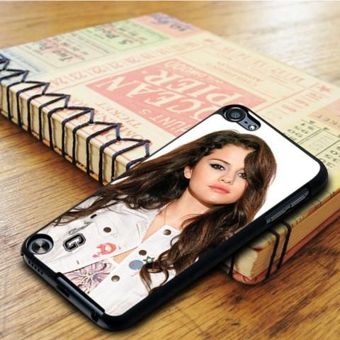 Selena Gomez Casual Style iPod 5 Touch Case