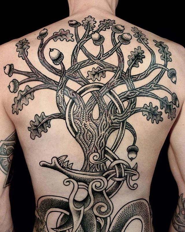 1000 images about tattoos on pinterest tree of life sleeve and raven tattoo - Tatouage rune viking ...