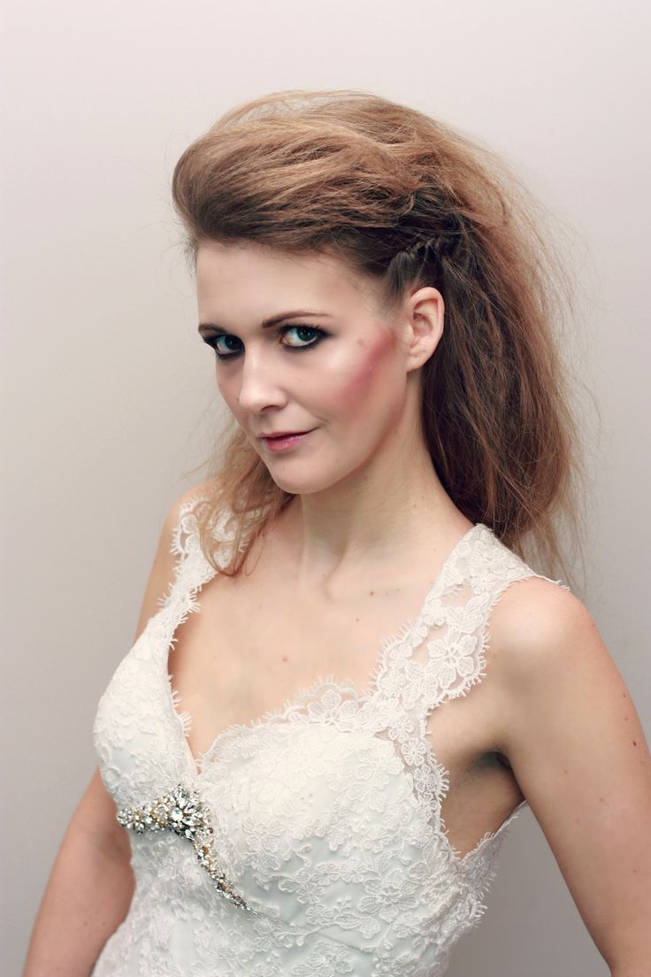 Pin up girl, glamour,up-do, glamour up-do,bridal hair, wedding hair, grad hair, hollywood glam, hollywood hair, Dress, Hair, Style, Fashion, Bridal, Wedding,Texture, crimped . Makeover