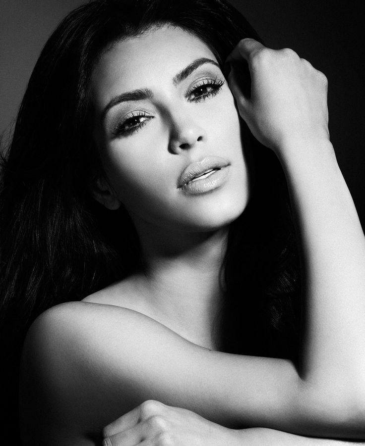 Kim+Kardashian+by+Smallz+&+Raskind+2012-003